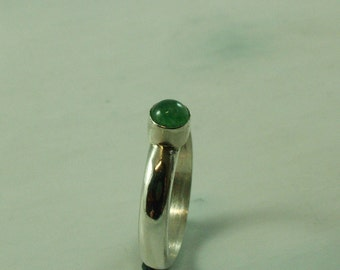 Silver ring with Aventurine gemstone of 5 mm size 17.5