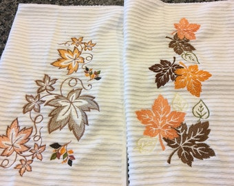 Fall Leaves Kitchen Towels/Pair/Kitchen Linens/Autumn Colors/Machine Embroidery