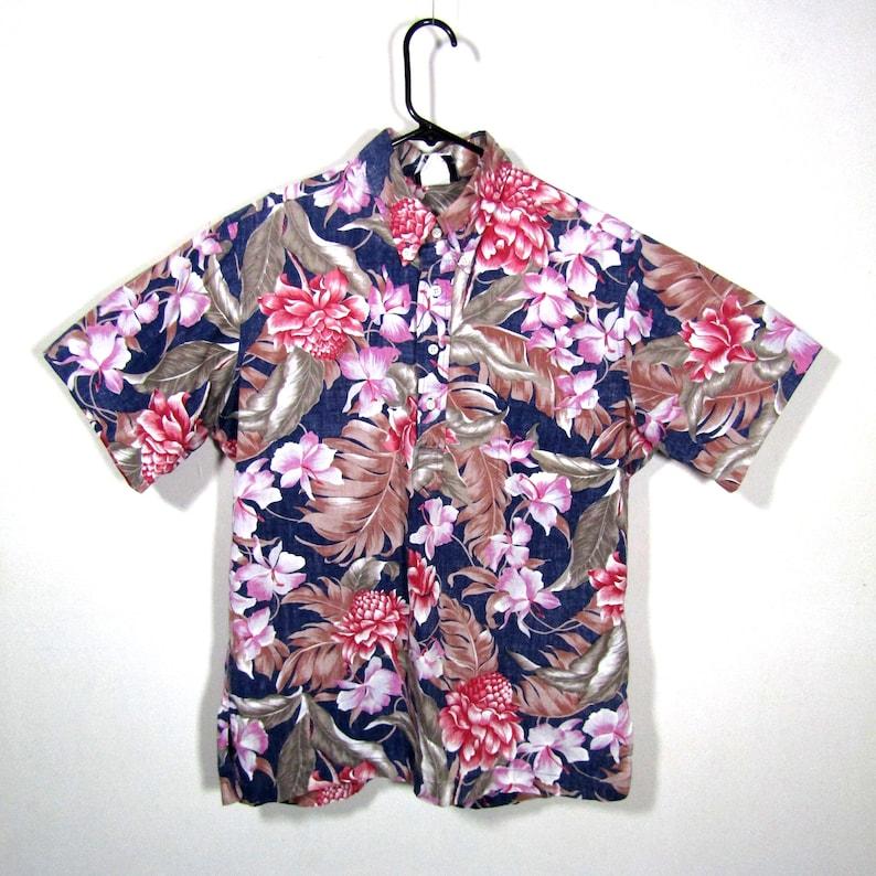 f93d81e5ec817 Sz L Hilo Hattie mens shirt / vintage Hawaiian shirt /   Etsy
