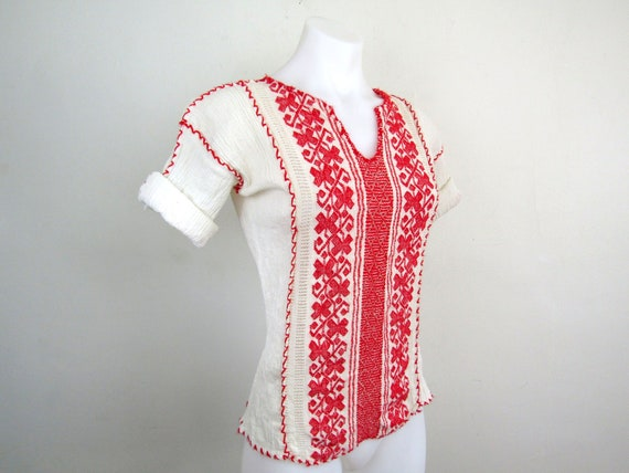 sz S | vintage embroidered blouse 70s embroidered