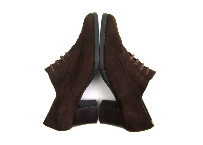 59b333664bb63 Sz 6 90s Aerosoles shoes 90s granny shoes vintage brown