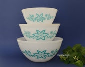 Free Shipping - Rare Hard to Find Vintage Australian Agee Pyrex Turquoise quot Starfruit quot Mixing Nesting Bowl Set of 3