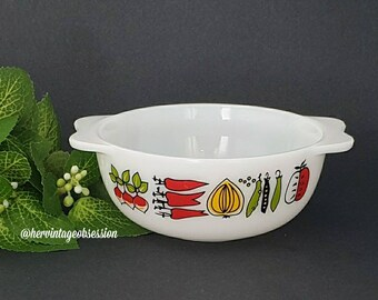 Vintage Fowl Play Pyrex 8 ounce Easy Grip Small  Pixie Casserole Dish