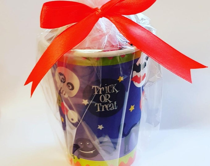 Trick or treat halloween prefilled sweet cups Party favours