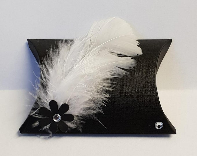 10 X Black Pillow Box Favours Feathers Wedding Favours Gatsby Party Corporate