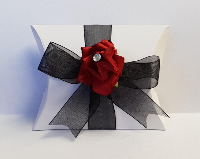 10 x White Pillow Box Favours Red Flower  Gothic Wedding Box Gift Box Favours