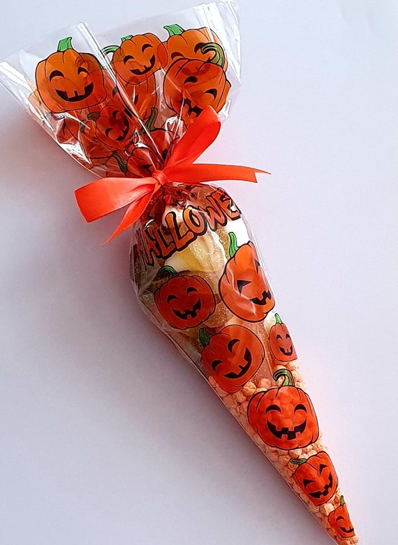 Halloween Party Sweet Cones Trick or Treat Favours (Qty 1)