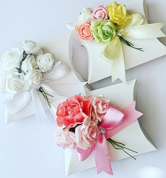 Luxury Pillow Box Wedding Favours Flower Bouquet Bridal Shower Bridesmaid  (Qty 10 )