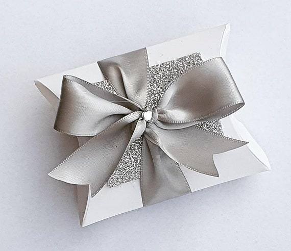 White  Pillow Box Favours with a Silver Satin Bow Weddings Bridal Party (Qty 10)