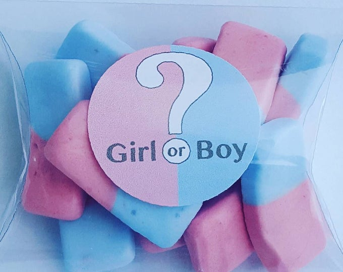 Baby shower gender reveal candy favours.