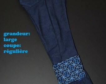 Scalable jeans, very large, regular cut, big blue circles