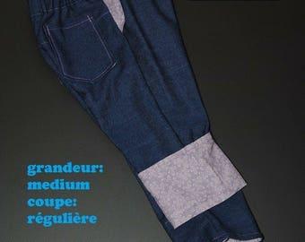 Scalable jeans, size medium, regular cut purple flowers