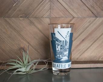 Seattle World's Fair 1962 Gold-Rimmed Glass | Vintage Barware | Just 1 Glass | World's Fair Memorabilia | Midcentury Styling