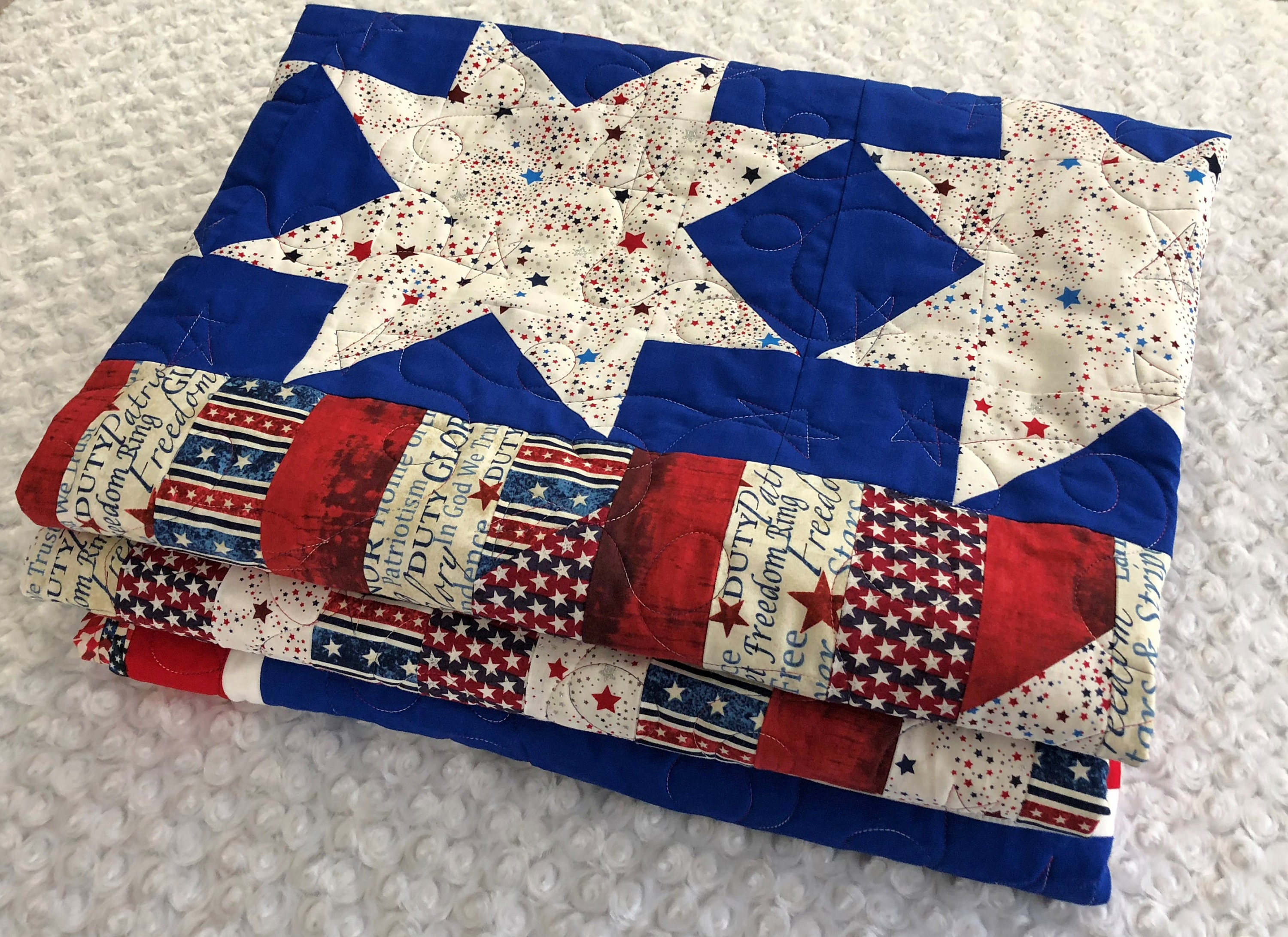 Picture of: 4th Of July Patriotic Red White And Blue Queen Size Quilt