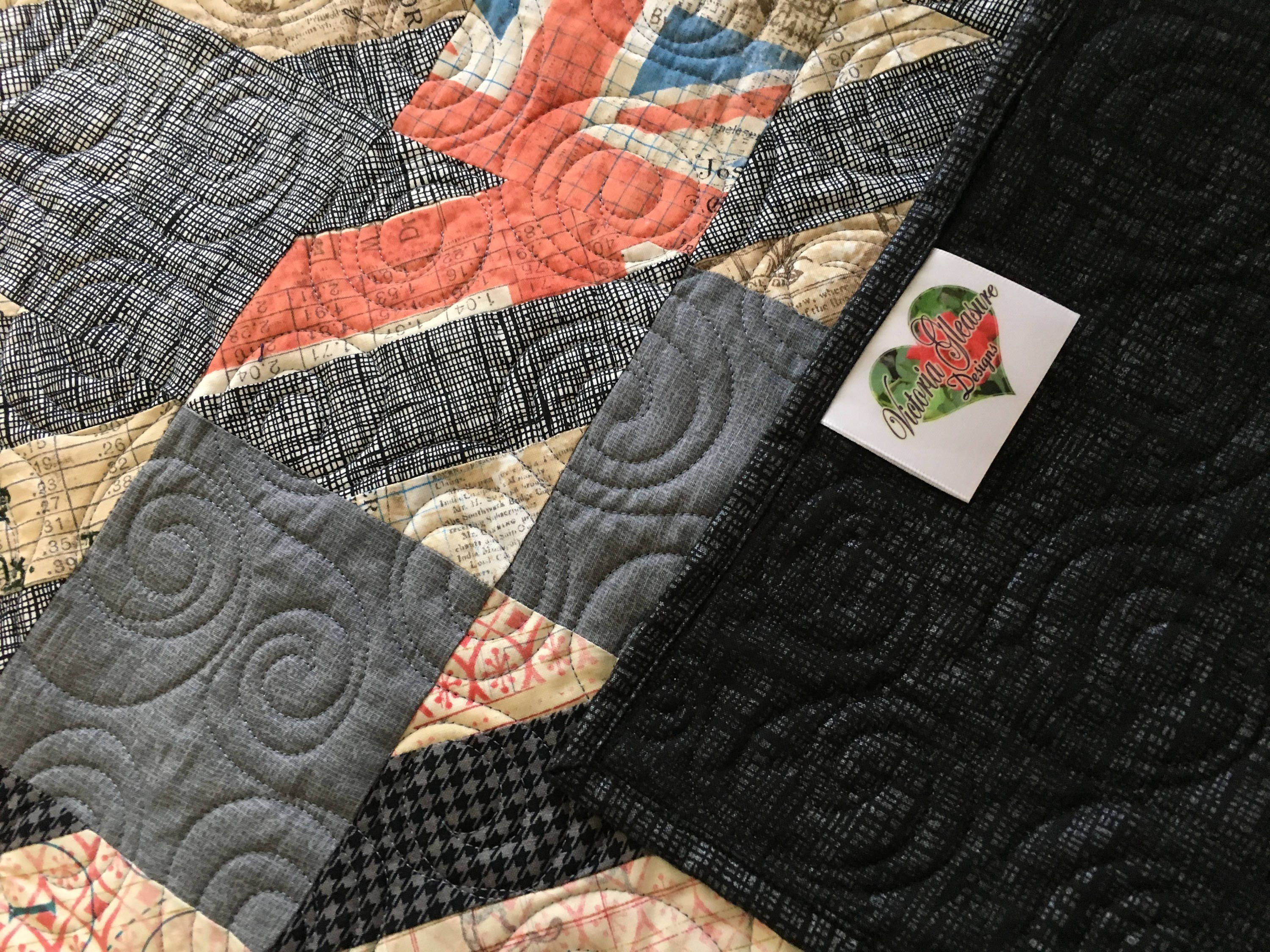Queen Size Houndstooth Pattern Quilt With London And Mustache Fabric