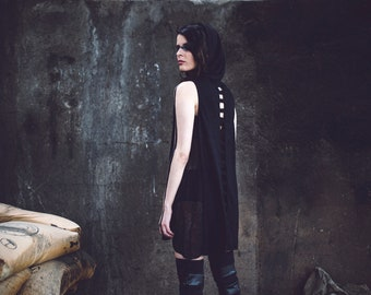The Dag Top (black top-unisex-dark fashion-cropped top-open back top-postapocalyptic fashion-apocalyptic-street wear-underground-alternative