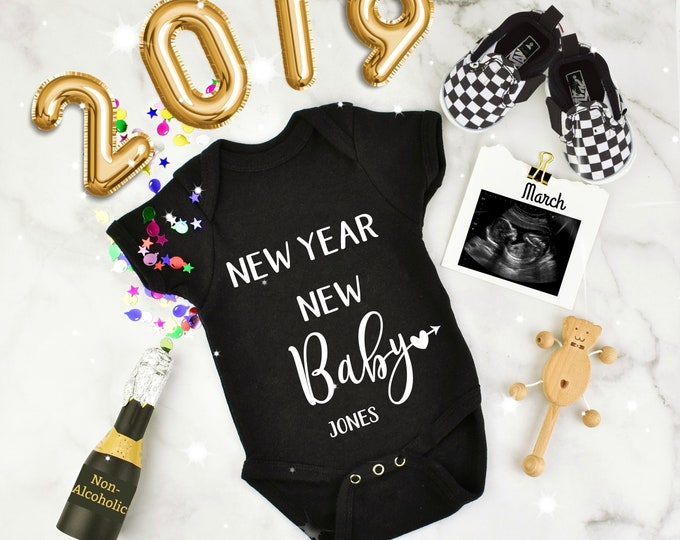 Featured listing image: New Year Digital Pregnancy Reveal for Social Media