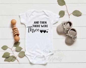 Then There Were Three Pregnancy Announcement Onesie - grandparents Spanish