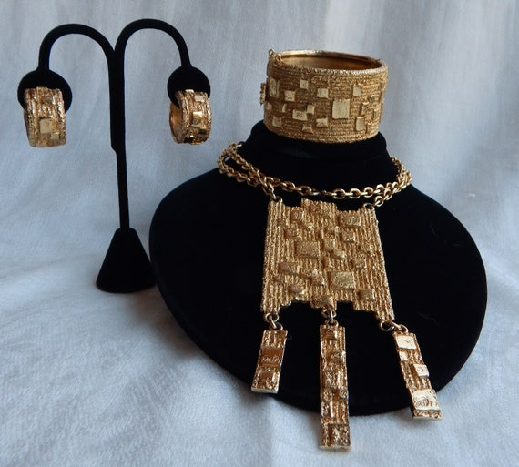 NAPIER Brutalist Necklace Cuff & Earrings - Franci