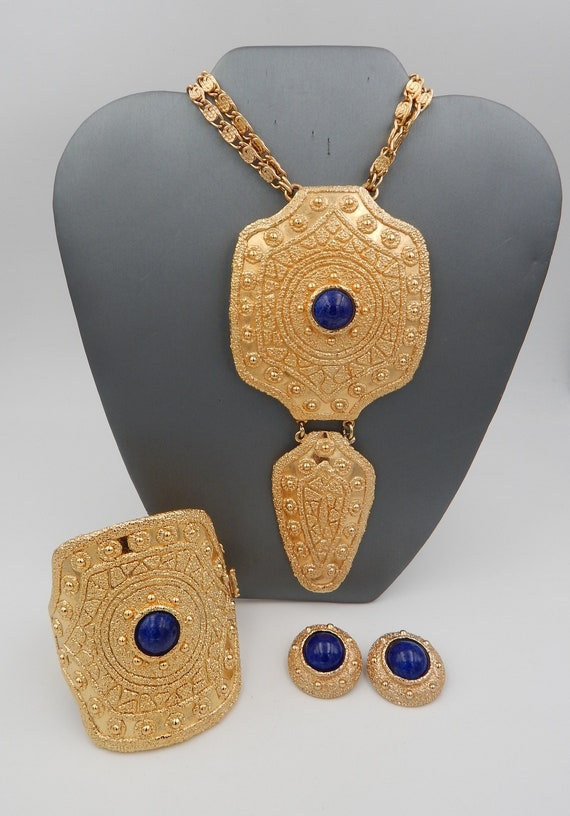 NAPIER Etruscan Necklace Cuff Earrings - Massive S
