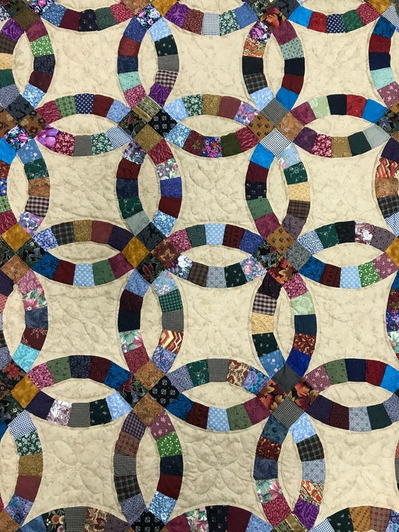 King Double Wedding Ring Quilt Hand Quilted by the Amish