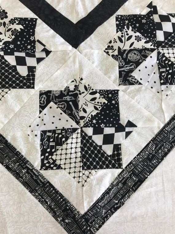 Black & White Star Spin Quilt Top or Quilt Hand Quilted Amish Made King Size