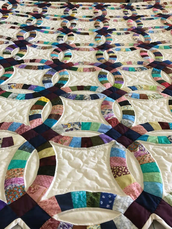 On Sale Beautiful Double Wedding Ring Quilt Hand Quilted Handmade Amish Made Bright Heirloom Quality Spectacular