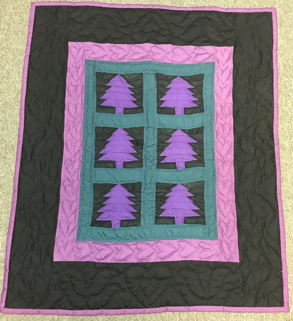 Trees Wall Hanging  25x30  Handmade Amish Quilt Hand Quilted
