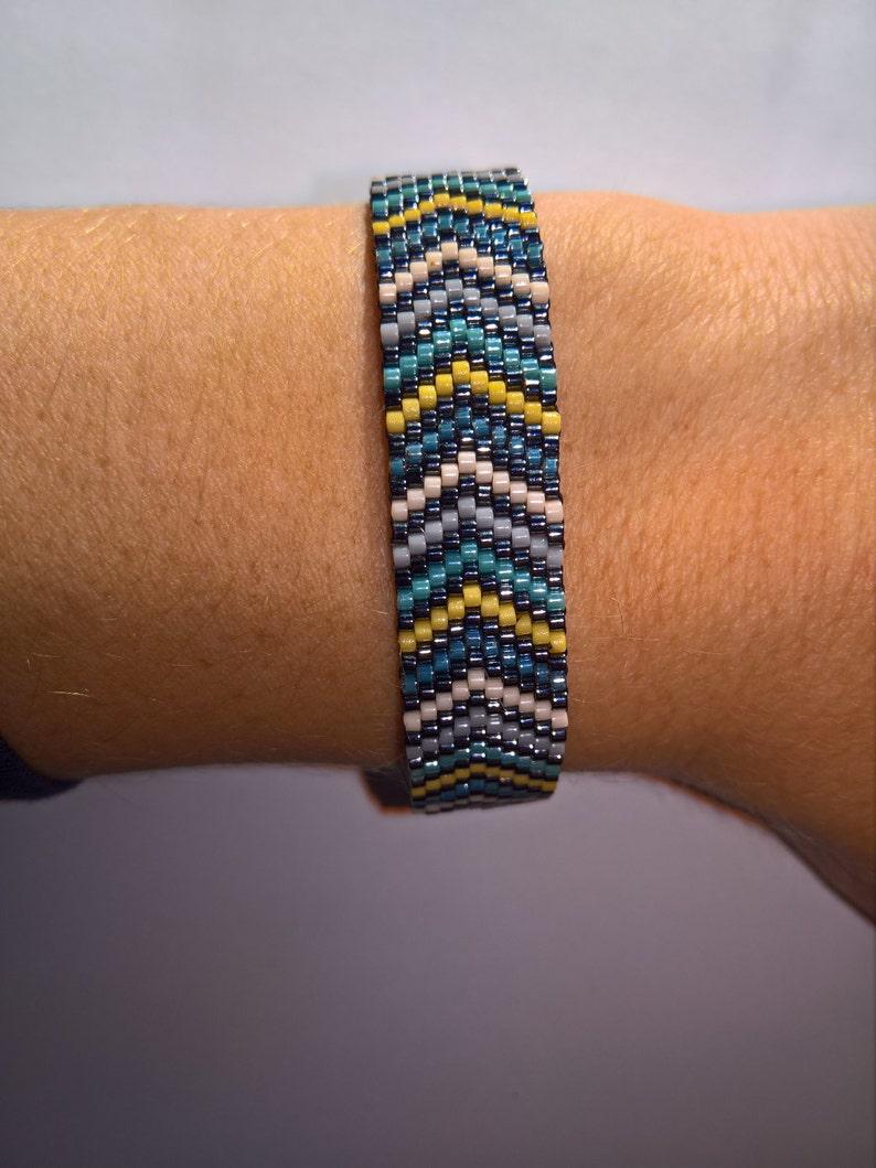 Bracelet woven peyote herringbone and miyuki beads