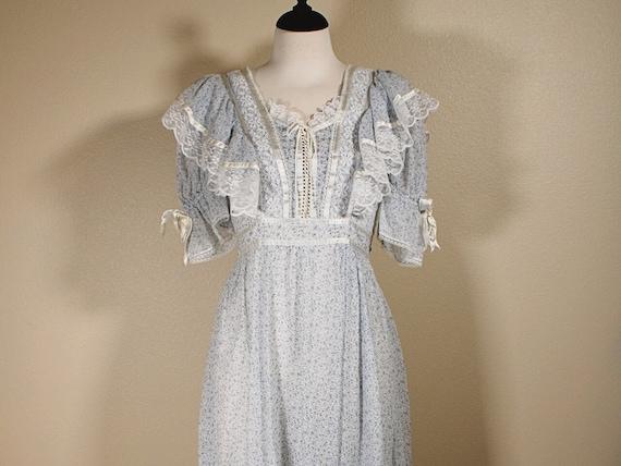 Gunne Sax Blue Floral Lace Dress - image 1