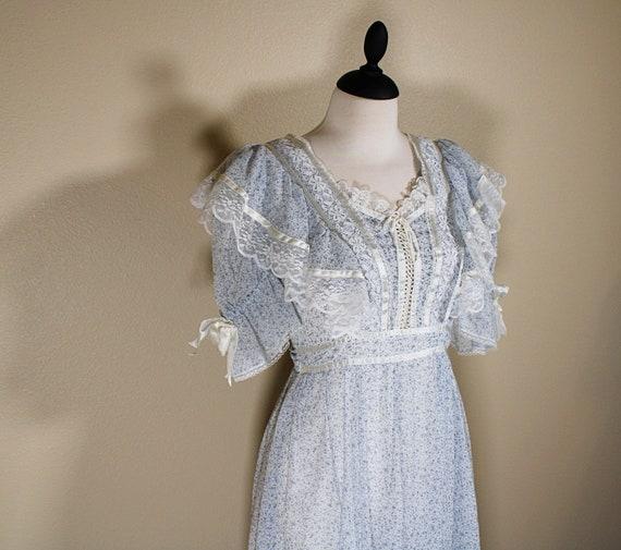 Gunne Sax Blue Floral Lace Dress - image 3