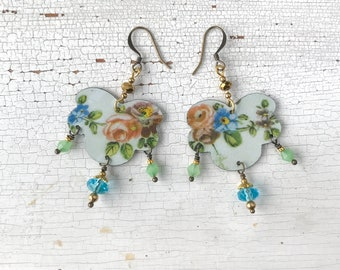 Handmade chandelier earrings, created with vintage tin box, earrings with flowers, made in Italy.