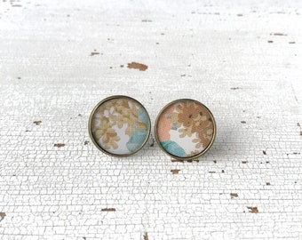 Round lobe earrings, jewel made with recycled vintage tin box, earrings with flowers, handmade, made in Italy.