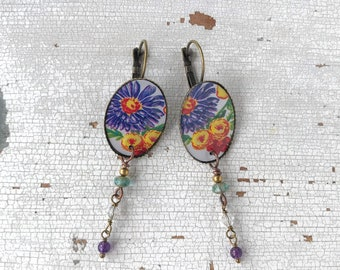 Small oval earrings with amethyst and glass beads, earrings with flowers, made with vintage tin box, handmade, made in Italy.