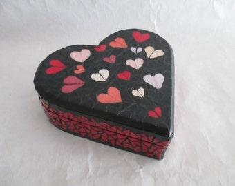 Boîte à bijoux en mosaïque en forme de coeur