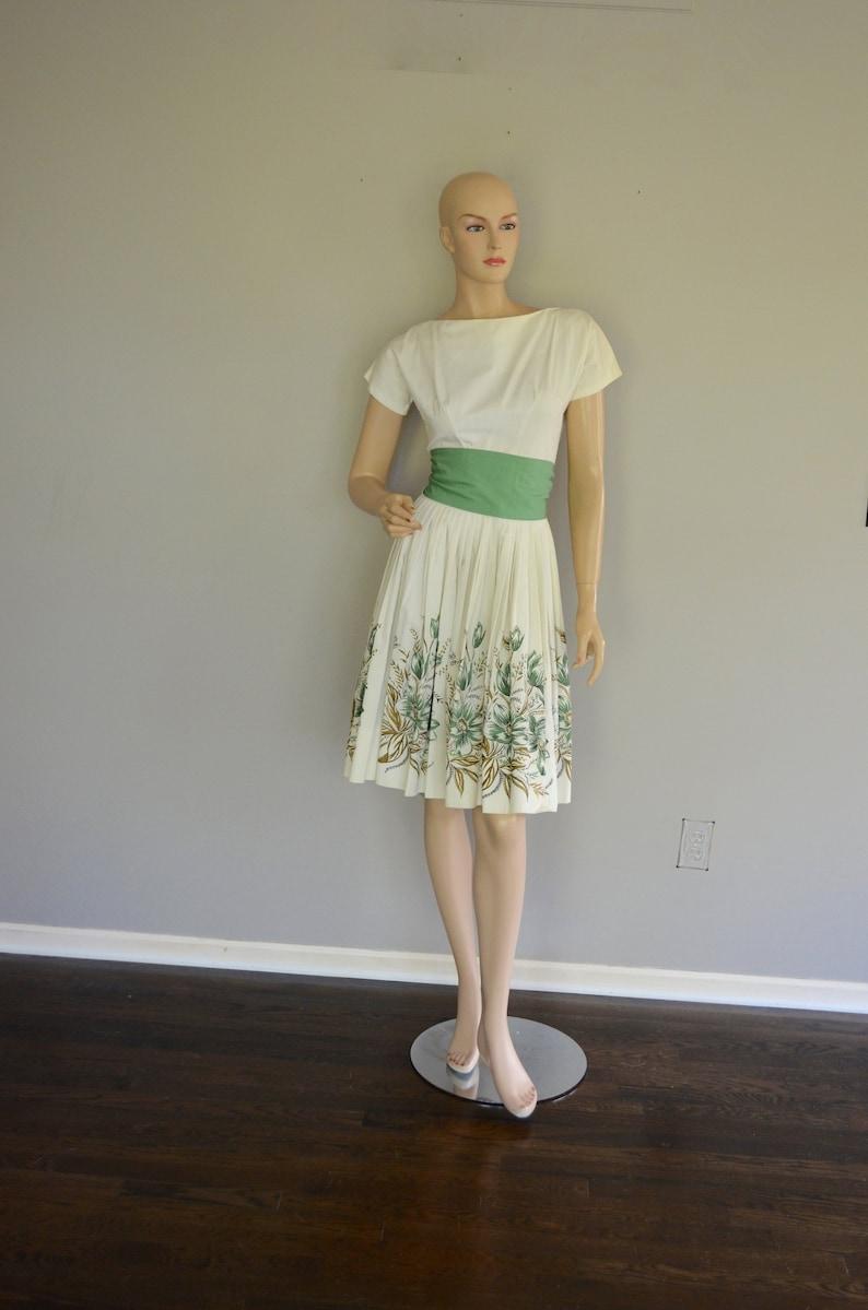 6c9e1ce6b5c32 FREE SHIPPING 1950's Border Print Full Skirt Dress Floral Skirt White  Cotton Gold Metallic S Floral Border Print Green