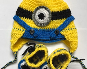Knitted minion hat and baby shoes