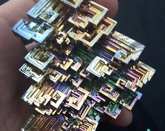 1 Randomaly Picked Meduim Rainbow Bismuth Crystal