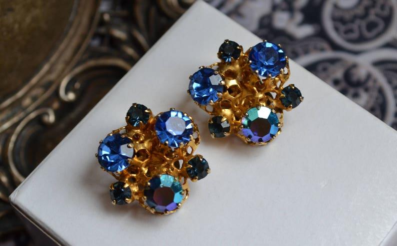 1980s Sapphire PhthaloRoyal Blue Rhinestones Acrylic /& Glass Organic Jewel Filigree Claw Setting Vintage Clip On Earrings