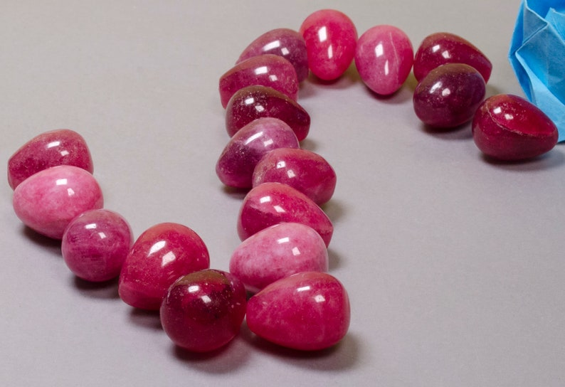 Wholesale Natural Small Red Jade Quartz Polished Gemstones Smooth Round Jewelry Making Loose Beads Pendant Necklace Ruby Bracelet Earrings