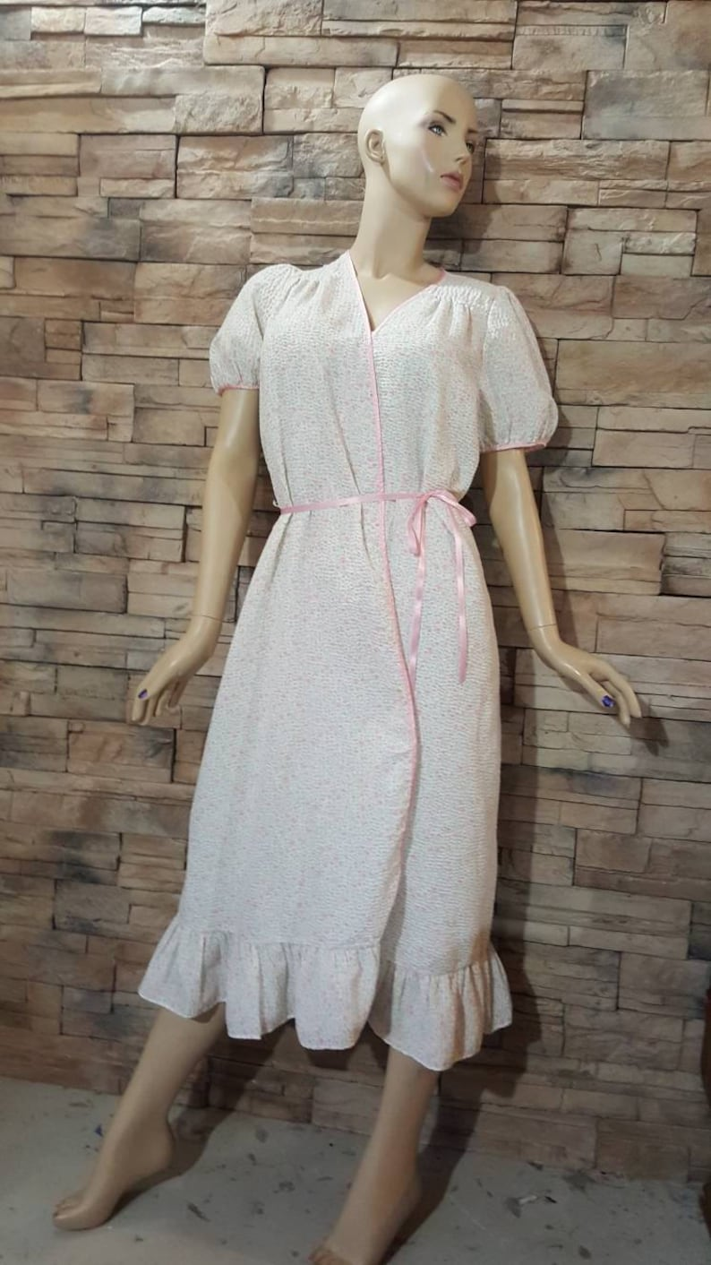 Nightgown and robeloose fit nightie set