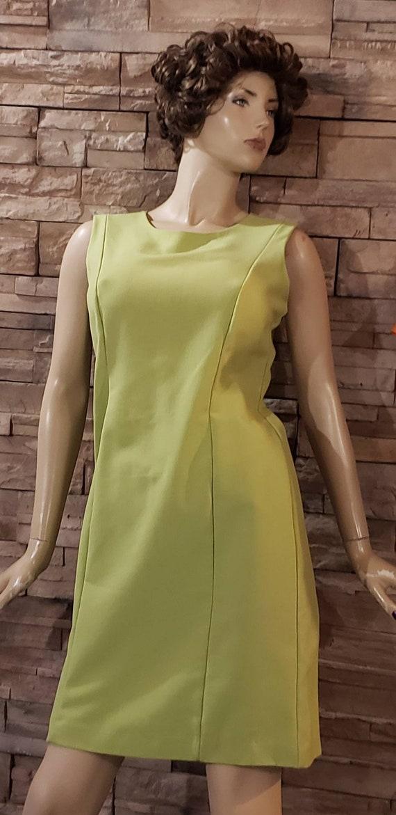 Classic Elegant  Green Dress - image 2