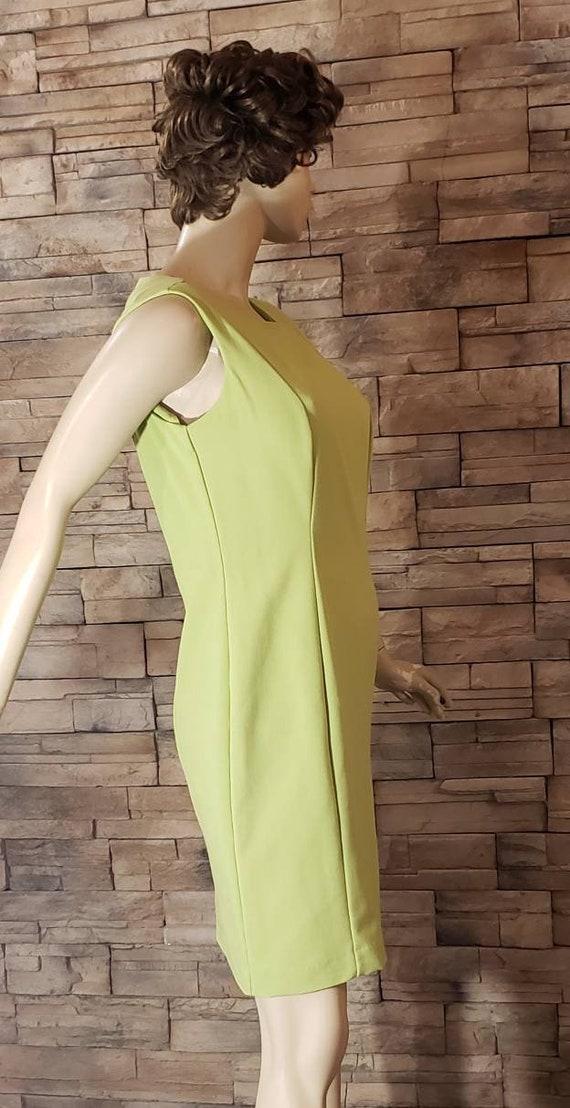 Classic Elegant  Green Dress - image 4