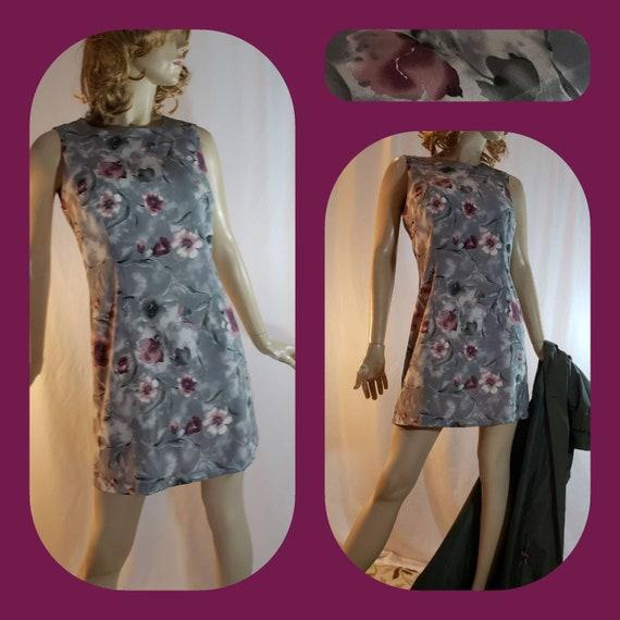 Grey & burgundy flower print mini summer dress