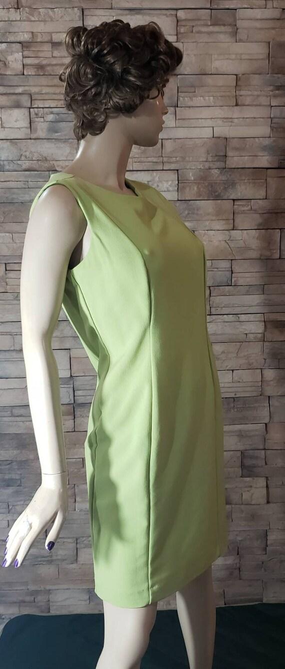 Classic Elegant  Green Dress - image 5