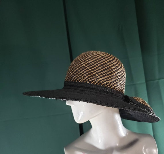 Wide brimmed black beige Fedora straw hat