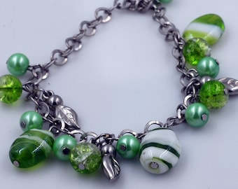 Green Swirly Glass Bead Adjustable Chain Bracelet with Silver Toned Leaves for Women or Girls