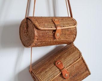 Women crossbody rattan bag- Summer Bag - Natural handwoven Bag