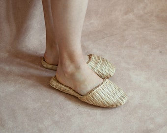 FINAL SALE - 40%  OFF - Indoor slippers - straw slippers - natural house shoes - bohemian slippers