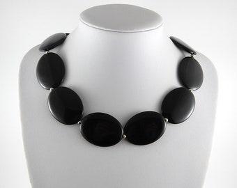 Chunky black statement necklace, 1980's jewellery, costume jewellery, vintage jewelry, heavy necklace, big black necklace, retro necklace.